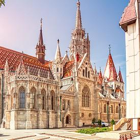 """Църквата """"Свети Матяш"""" получава своето име от своя най-голям мецанат, крал Матяш, който е венчаван два пъти в нея."""