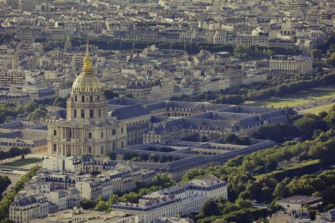 Днешен Париж отвисоко