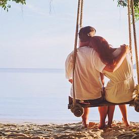 ЦИФРА 7: ПРИЯТЕЛСТВО! Любовта ви се основава не толкова на привличане, колкото на чисти приятелски чувства. Намерили сте сродната си душа и това ви носи удоволствие. Дали? Дайте си сметка какво точно искате от връзката си, за да има бъдеще тя.