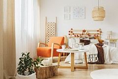 """""""Стриктното съобразяване с мащаба на мебелите и помещението е най-необоснованият от всички интериорни съвети. Смело сложете готически трон, дори и домът ви да е малък."""" Джонатан Адлер, интериорен дизайнер"""