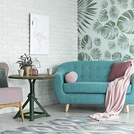 Пудреното розово и менотовото зелено се комбинират отлично и с още една гореща тенденция - принтовете с листа.