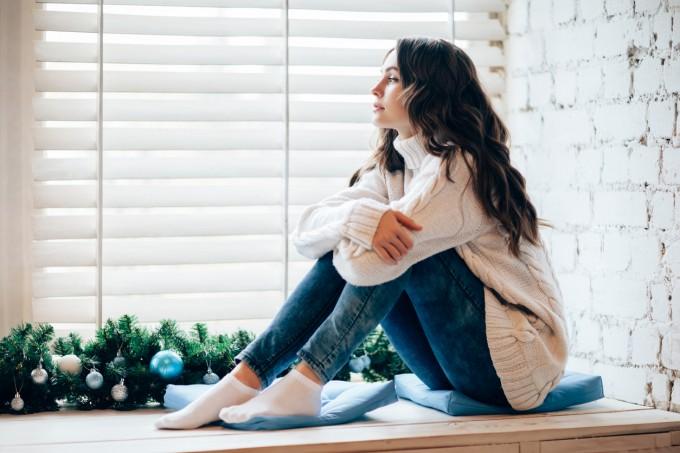 Защо връзките не винаги спасяват от самотата