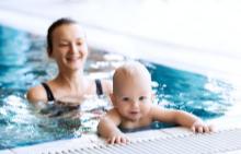 Тренировки за майки и бебета: плуване и водна гимнастика