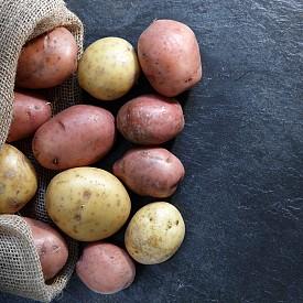 Следобедна закуска – 50 мл прясно изстискан сок от картофи (може да го разредите с малко вода) и 3 бисквитки от овесени ядки. Около 100 калории