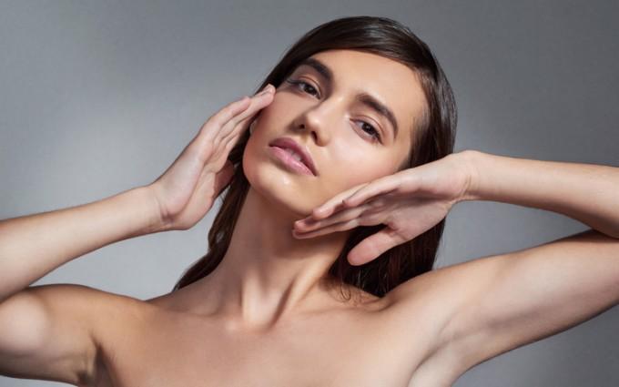 Хипертонус и хипотонус на лицевите мускули: колко вредни са те за младостта?