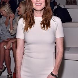 Джулиан Мур, 54 - актрисата споделя, че е уплашена, че пластичната хирургия днес е нещо нормално, а истинското лице на хората изчезва.