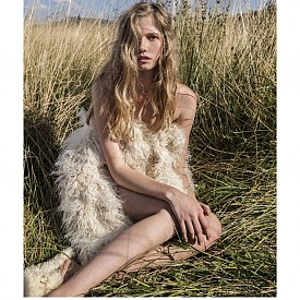 модел: Александра Сиракова