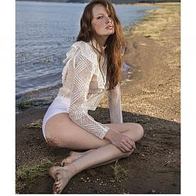 модел: Деси Савова