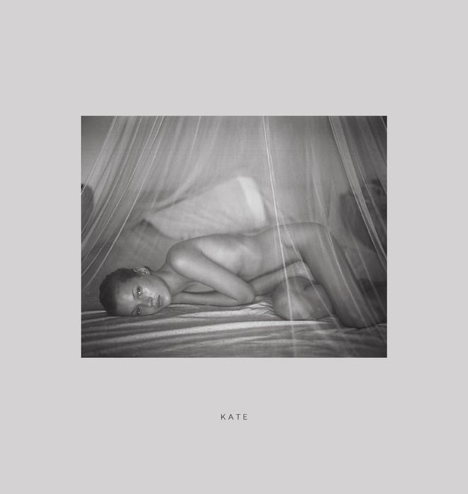 Марио Соренти пусна книга със снимки на младата Кейт Мос