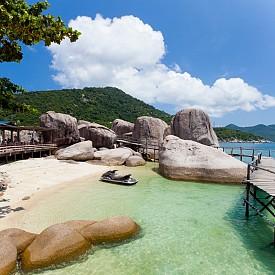 Ко Тао, Тайланд   Островът носи името на костенурките, които са в изобилие там. Освен тях може да изследвате природата с множество корали, скатове, акули и прекрасни залези.