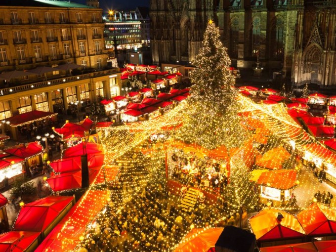 Кьолн, Германия  Към 4 милиона посетители събира всяка...