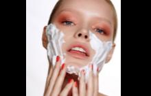 17 от най-добрите почистващи продукти за лице