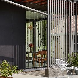 Дизайнерите избират по-екологични методи и материали, с които преоткриват архитектурата, мебелите и уредите за домакинството.