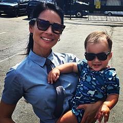 Луси Лиу рядко коментира личния си живот. Една от новините, която не пропусна да сподели бе през август 2015-та, че на 46 години тя стана майка. Заради невъзможност да износи свое дете, звездата се е обърнала към сурогатна майка.