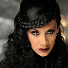 Мариана Попова е магьосница