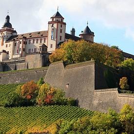 Крепостта Мариенберг се счита за символа на Вюрцбург. Тя стои на хълм. Грандиозните бастиони на Мариенберг са на пасторален франконски пейзаж, извисяващи се над околните полета, лозя и червени покриви на сградите на Вюрцбург.