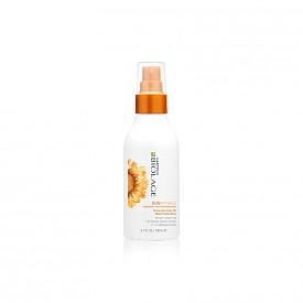 Олиото Biolage Sunsorials на MATRIX защитава косата при излагане на слънце, морска вода и хлор