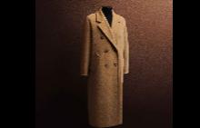 Емблематичното палто Max Mara Signature 101801 в експозицията в Милано