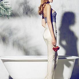 На 20 години Михаела Бориславова започва своя летящ старт в модната си кариера . Само година по-късно, представляваният от Ivet fashion модел, пътува за Милано, Истанбул, Лондон, Маями и Барселона. Михаела снима множество фотосесии за световноизвестни брандове като Kuny Barcelona, Energetix и Byblos Italia, също така става част от модното шоу на Twin Set, работи рамо до рамо с дизайнери като Kanye West и Manuel Faccini. Михаела Бориславова участва в рекламни кампании из целия свят и е снимала сесии за големите модни списания в страната. През 2016 красавицата прекара четири месеца в Ню Йорк, където работи с една от най-големите агенции  Major Model Management.