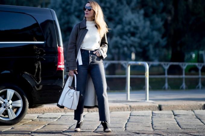 Бял топ + черни панталони равно на вечна класика!