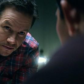 """""""22-ра миля"""" е филм на режисьора Питър Бърг със звездото участие на Марк Уолбърг и Джон Малкович. Елитен американски специален агент трябва да изведе тайно от страната мистериозен полицай, който пренася секретна информация. Вече е по кината."""