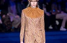 Широките панталони от модния подиум