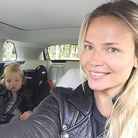 Наташа Поли с дъщеря си Александра