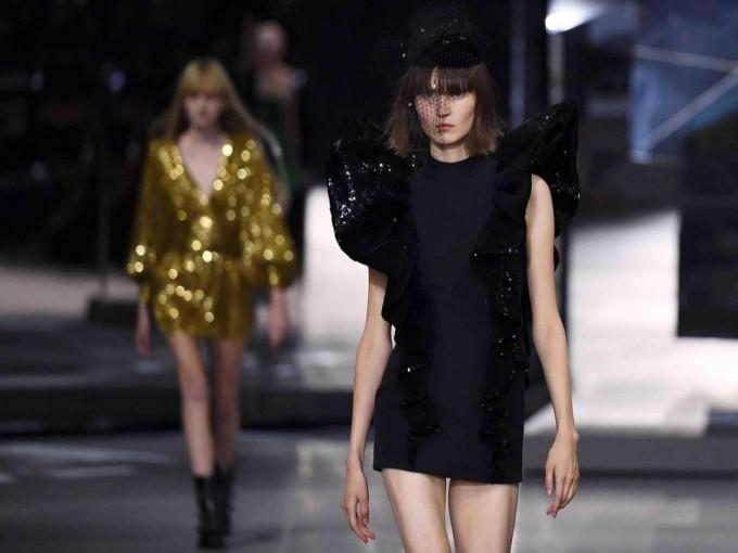 Защо ревюто на Céline се превърна в едно от най-остро критикуваните модни дефилета този сезон?