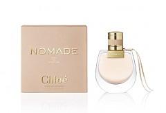 Комбинация от нежност и сила са лайтмотивът на цветно-шипровия аромат Nomade на Chloe. Наситеният, минерален характер на дъбовия мъх е обгърнат от пищната сладост на слива мирабела. От тази свежест се излъчва усещане за цветния бласък на фрезия.