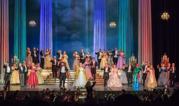 ДЕКЕМРИ НИ КАНИ: Ще гледаме най-доброто от класическата оперета