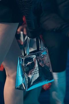 Най-интересните чанти от Paris Fashion Week FW18/19