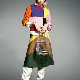 Пуловер MSGM от NOTENOM, риза LUREN RALPH LAUREN, пола P.A.R.O.S.H., ботуши PALOMA BARCELO, гривни PRETTY RUMOUR, обeци EMOLO, чанта CATALINA D'ANGLADA