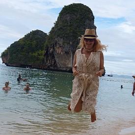 Най-романтичното й пътешествие тази година - до Тайланд и островите на Джеймс Бонд.