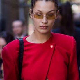 17 начина да носим червено като Бела Хадид