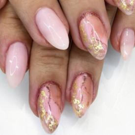TREND REPORT: Нежни нокти от мрамор