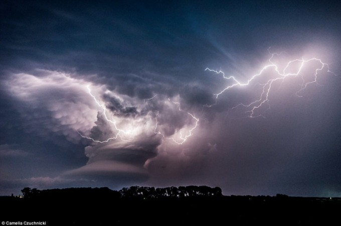Светкавична буря в Небраска през май 2013 г.