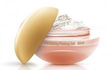Perfecting Peeling Gel на PREMIER е нежна гел маска с пилинг ефект, която почиства и я оставя бляскава и нежна, 115 лв.