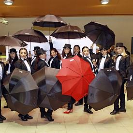 Флашмоб в софийското метро изненада десетки пътници