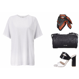 Тишърт Mango; шал Pinko; чанта Calvin Klein от Totally Erected Store; обувки MYVI от Le Scarpe