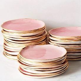 Керамични чинии в розово