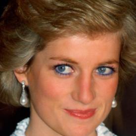 Защо принцеса Даяна спряла да носи любимия си син молив за очи?