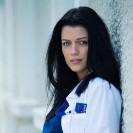Ралица Паскалева в ролята на д-р Стилянова