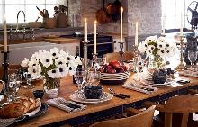 Интериорът от Ралф Лорън демонстрира небрежния лукс, характерен за стила на едноименната модна марка.
