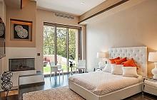 Домът на Риана в Лос Анджелис се продава