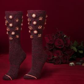 Риана създаде чорапи за всички невлюбени