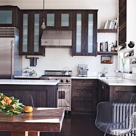 Кери Ръсел / Актрисата е горда, че за кухнята си е използвала рециклирани материали- все пак дизайнът й е семпъл и минималистичен.