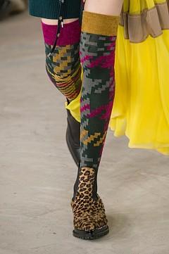 Чорапите от модния подиум, които да носите този сезон