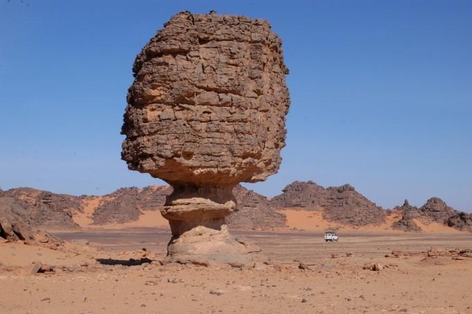 Красотата на пустинята, омагьосала Георги Милков