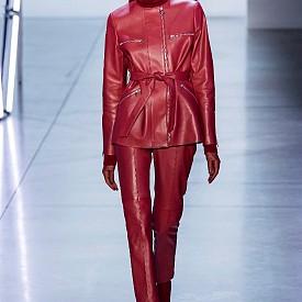 15 визии с кожени панталони за есен-зима 2019-2020