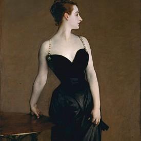 """Портретът на мадам Х (Мадам Пиер Гауто), Джон Сингър Сарджънт, 1884 г. Когато Сарджънт излага своя """"Портрет на мадам Х"""" в Парижкия салон през 1884 г., той шокира цялата френска столица. Тълпите се присмиват, докато критиците осъждат """"непристойността"""" на роклята на известната красавица, която е с прекалено дълбоко деколте със скъпоценни презрамки - едната, от които се изплъзва от рамото ѝ. Роклята е още по-провокативна от надменната поза на Гауто. Въпреки че скандалът унижава Сарджънт, той запазва картината. След като преправя падналата презрамка, той продава картината на музея Метрополитън в Ню Йорк през 1916 г. - наричайки портрета """"най-добрата ми работа""""."""